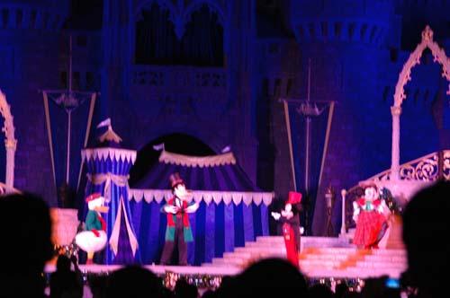 Castle Dreamlights debut at Magic Kingdom