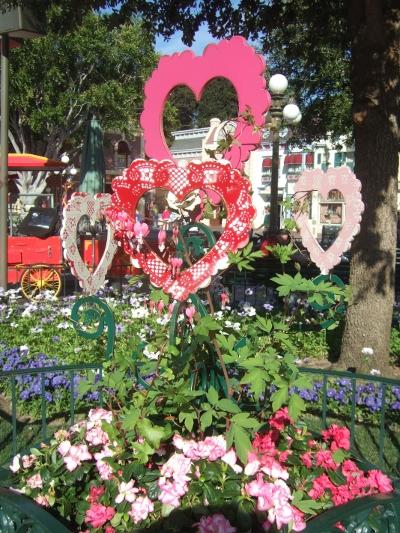 DL Valentine planter