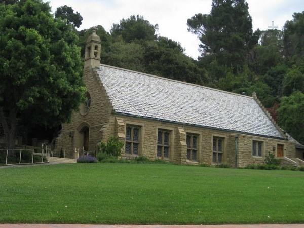 DL Walt's Grave  Church (600×450)