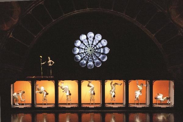 Cirque Iris Film_Strip-030 (600×401)