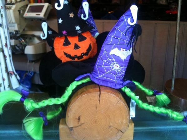 DL Halloween Treats Fun Hats