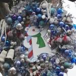 DL Small World Holiday Wreaths Arctic Polar Bear