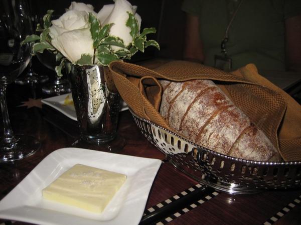 DCA_Carthay_Lunch-Bread