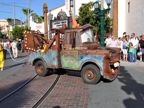 Pixar Play Parade Returns to California Adventure