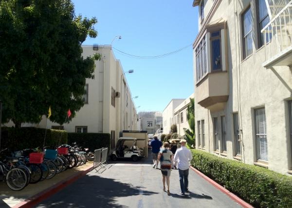 DL Movie Studio Tours Paramount Bike Messenger parking