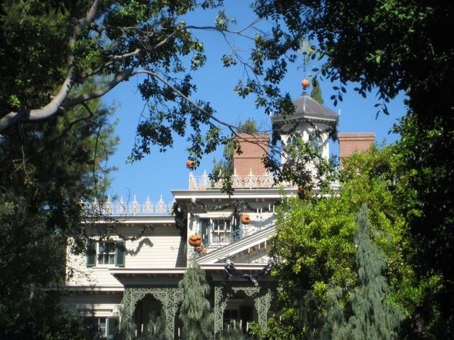 Disneyland_WaltsFootsteps_HM