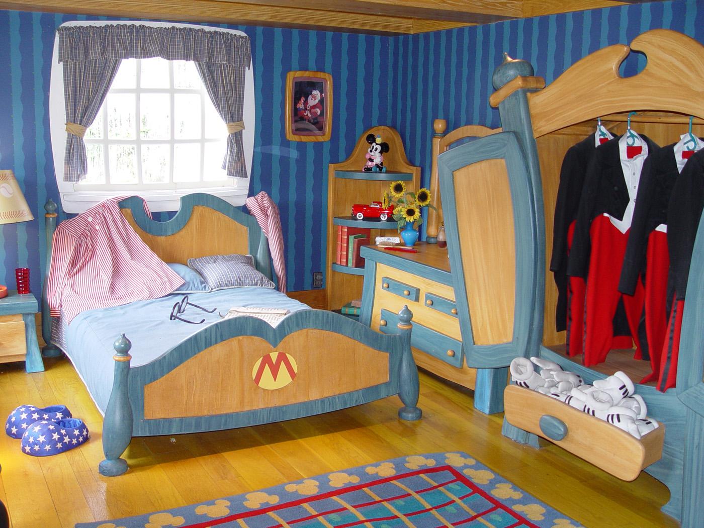 005-Mickeys-House